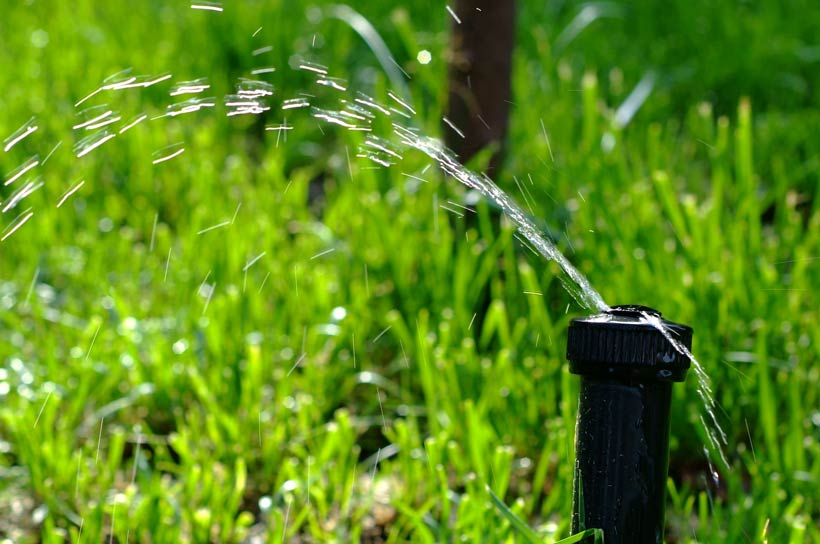 Best Lawn Sprinkler for Low Water Pressure Review and Buying Guide
